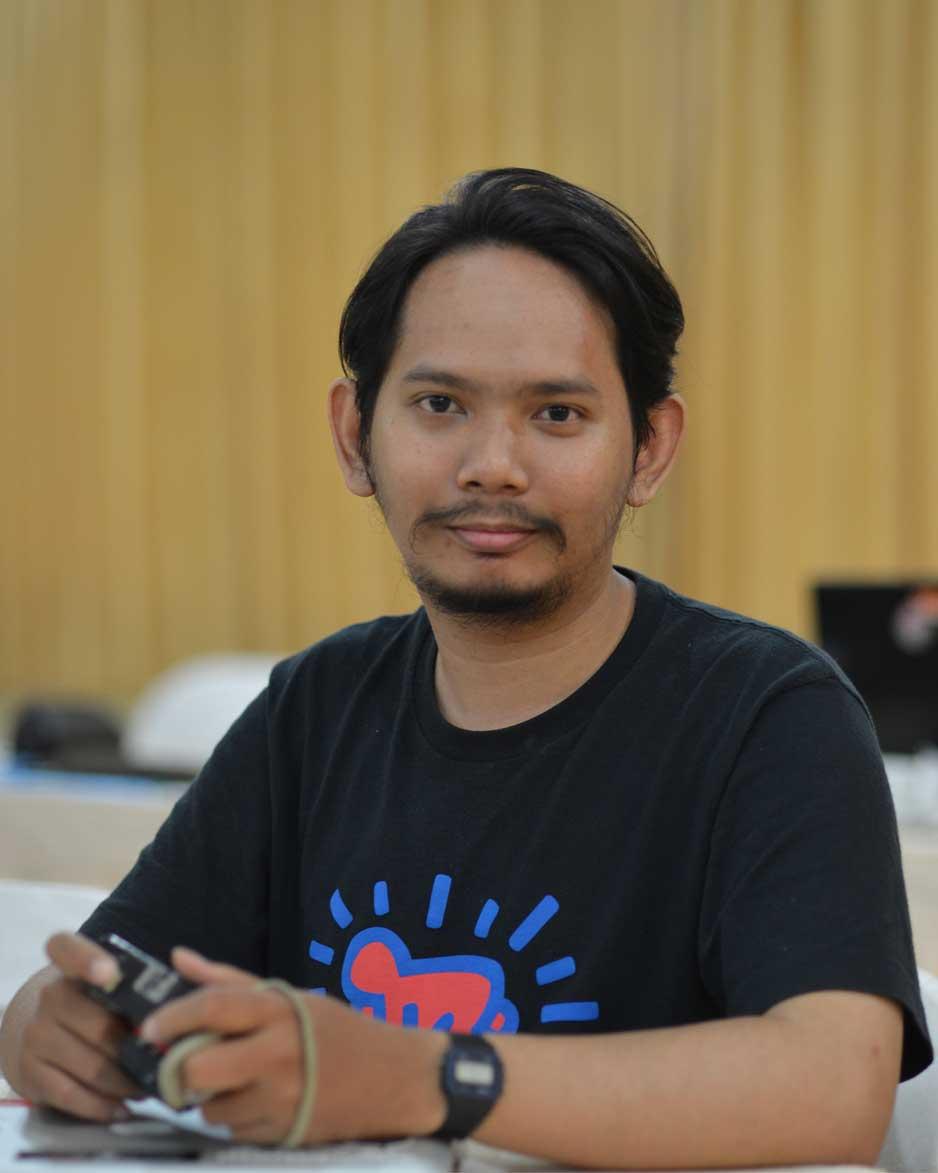 Faisal Fitroh,S.Sn